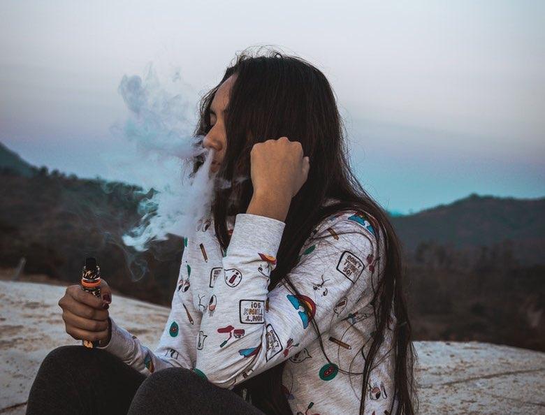 sigaretta elettronica meno dannosa della sigaretta normale