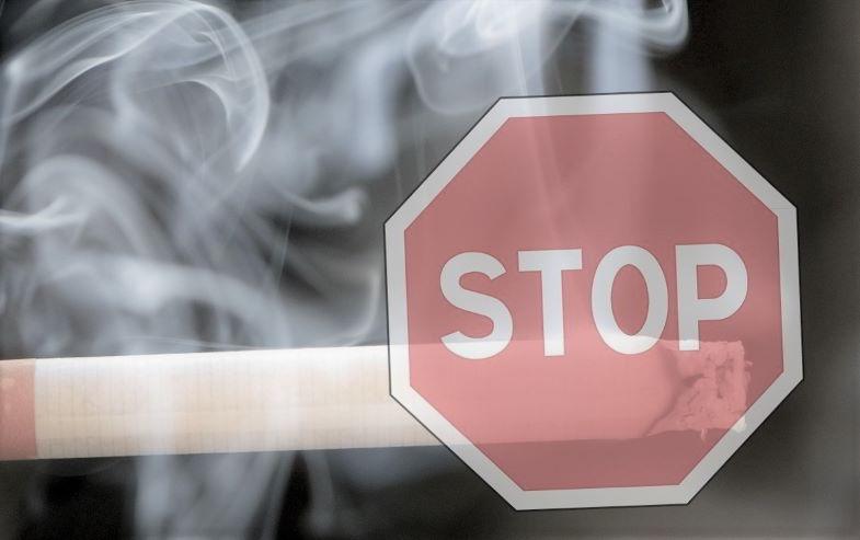 Si può svapare nei locali pubblici? Leggi sul fumo.