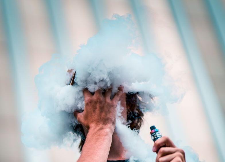 vapore generato dall'atomizzatore per cloud chasing